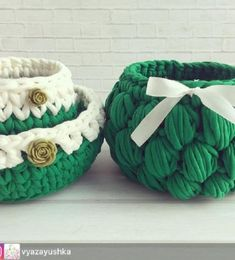 This Pin was discovered by Nik Crochet Home, Free Crochet, Knit Crochet, Knit Basket, Basket Weaving, Cotton Cord, Christmas Baskets, Unique Crochet, T Shirt Yarn