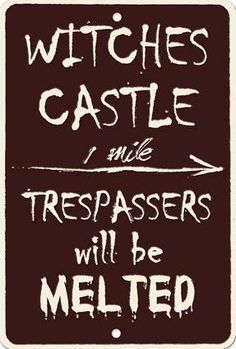 witches castle sign- Cute for Halloween party Halloween Signs, Holidays Halloween, Vintage Halloween, Halloween Crafts, Happy Halloween, Halloween Decorations, Halloween Party, Halloween Ideas, Halloween Witches