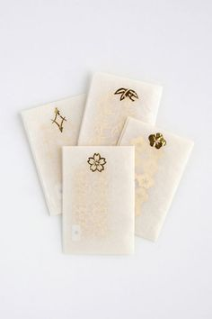 Edible gold leaf packages | decorations for Japanese food or floats in drinks, especially for wedding ceremonies 折形デザイン研究所 | 商品 / 寿ぎの金箔