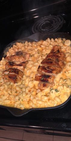 How to make cajun chicken mac and cheese, my personal recipe Simple Food Recipes, Food Recipes Deserts Food Porn, Comfort Food, Food Goals, Aesthetic Food, Snacks, Food Cravings, I Love Food, Food Dishes, The Best