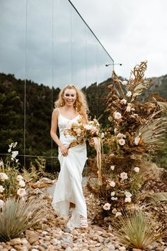 A Micro wedding in Mexico with dried palms, masculine wedding decor and a sleek silk wedding dress. Modern intimate wedding during Covid. #microwedding #gws #greenweddingshoes #intimatewedding Wedding Dress Boutiques, Wedding Dresses, Masculine Wedding, Bridal Portrait Poses, Groom Shoes, Most Beautiful Images, Heart Photography, Bridal Pictures, Wedding Dinner