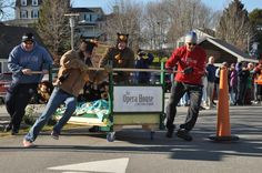 VIDEO: Boothbay Harbor Early Bird bed races footage