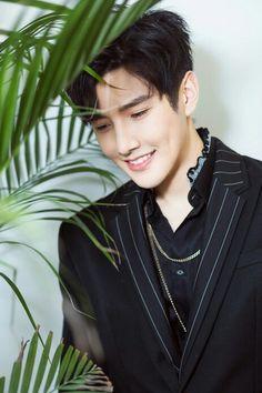 Cute Asian Guys, Asian Boys, Asian Men, Pretty Men, Pretty Boys, Asian Actors, Korean Actors, Life Is Beautiful, Beautiful People