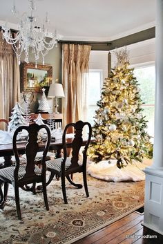 Farmhouse Dining Room-12 Days of Christmas Day 4