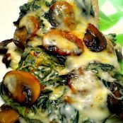 There will be no leftovers after you make this! Spinach and Mushroom Smothered Chicken is an amazing low carb and keto friendly recipe you are sure to love! Smothered Chicken Recipes, Beef Recipes, Low Carb Recipes, Cooking Recipes, Healthy Recipes, Skinny Recipes, Skinny Meals, Game Recipes, Quick Recipes