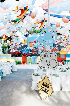 Are you guys ready for the cutest transportation themed party? You better be, because Matteo's birthday bash is so cute you won't want to miss it! First Birthday Themes, Trains Birthday Party, Party Themes For Boys, Train Party, Boy Birthday Parties, Car Birthday, Planes Party, Airplane Party, Transportation Birthday