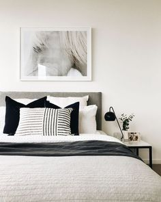 """Home Interior Design Acquire wonderful suggestions on """"cheap home decor for apartments"""". They are on call for you on our site. Minimalist Bedroom, Modern Bedroom, Master Bedroom, Home Decor Bedroom, Interior Design Living Room, White Bedroom Decor, Bedroom Ideas, Monochrome Bedroom, Mode Monochrome"""
