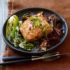 WeightWatchers.com: Weight Watchers Recipe - Asian Spiced Salmon with Baby Bok Choy and Shiitakes