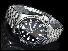 Seiko SKX007 diver.  Going to pick one of these up eventually and upgrade to the oyster link bracelet and a NATO strap as well.