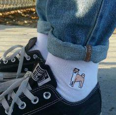 socks, converse, and dog image Mode Hipster, Look Fashion, Mens Fashion, Fashion Trends, Grunge, Mein Style, Short En Jean, Cute Socks, Dog Socks