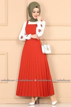 Piliseli Jile Kiremit - Moda Selvim - Women's style: Patterns of sustainability Muslim Fashion, Modest Fashion, Fashion Outfits, Hijab Dress, Hijab Outfit, Embroidery Suits Punjabi, Baby Bike, Culture Clothing, Kids Fashion