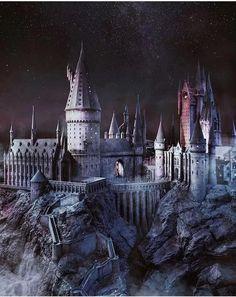 Harry potter world. Harry Potter Château, Photo Harry Potter, Images Harry Potter, Harry Potter Castle, Mundo Harry Potter, Harry Potter Tumblr, Harry Potter Anime, Et Wallpaper, Harry Potter Background
