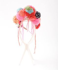 flash mob headband with pompoms . Pom Pom Headband, Headbands, Diy Pompon, Diy Broderie, Craft Projects, Projects To Try, Diy And Crafts, Arts And Crafts, Little Presents