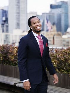 Larry Fitzgerald off the field.This man is a class act! Great role model for anyone of any age! He plays for my AZ Cardinals Cardinals Football, Nfl Arizona Cardinals, Nfl Football, Larry Fitzgerald, Just Beautiful Men, Handsome Black Men, Raining Men, Fantasy Football, Chic
