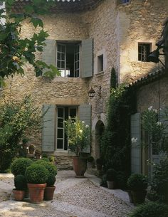 Exterior Paint Colors - You want a fresh new look for exterior of your home? Get inspired for your next exterior painting project with our color gallery. All About Best Home Exterior Paint Color Ideas Design Exterior, Exterior Colors, Exterior Paint, Mediterranean Decor, Mediterranean Architecture, French Architecture, Garden Architecture, Outdoor Spaces, French Country Decorating
