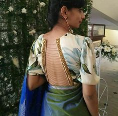 Everyone knows how to make the front of a blouse look all fancy and pretty but why be mainstream? Here are blouse backside design images to make it stand out! Saree Blouse Neck Designs, Fancy Blouse Designs, Sari Blouse, Churidar, Anarkali, Salwar Kameez, Saree Wearing Styles, Stylish Blouse Design, Traditional Outfits