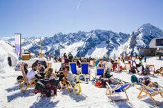 Spring snowboarding in Mayerhofen