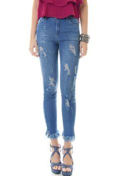 be2ced24a Calça Jeans Skinny Com Desfiado Barra - lojacaos
