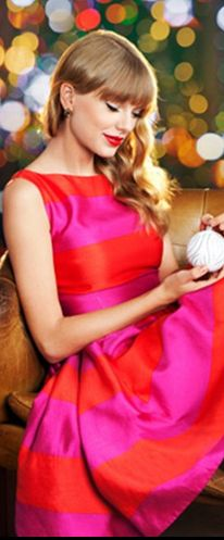 Taylor Swift wore Kate Spade 'Carolyn' Stripe Fit & Flare Dress.      Read more: http://www.celebritystyleguide.com/i-1-1-13238/celebrities/taylor-swift/kate-spade-carolyn-stripe-fit-and-flare-dress#ixzz2IXPDZtUP