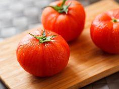 蕃茄料理常常因為蕃茄皮擾人的口感扣分不少,今天跟大家分享簡單的番茄去皮方法,簡單又快速,看看喔。- 歡迎大家到我的粉絲專頁: https://www.fa...