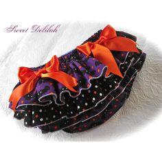 $23.00 Size 6 to 12m Halloween Ruffle Pants by sammii22 on Handmade Australia