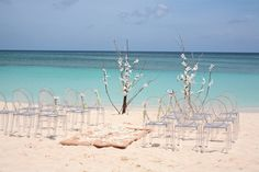Planning a Destination Wedding: 7 Tips for Saving Money for You and Your Guests