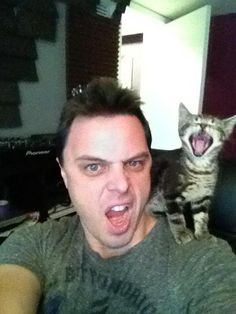 Markus Schulz and his cat screaming!!! :p