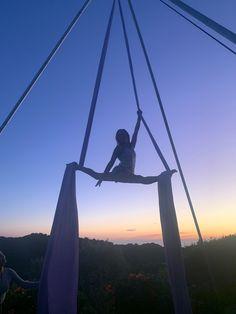Aerials silks splits at sunset silhouette photography Aerial Silks, Aerial Yoga, Clay And Hannah, Trampoline Jump, Building Self Confidence, Silhouette Photography, Sunset Silhouette, Fountain Of Youth, Restorative Yoga