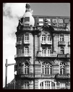 Antiguo Hotel Moderno en la Puerta del Sol. Diseño de Michel Pacewick de 1897.