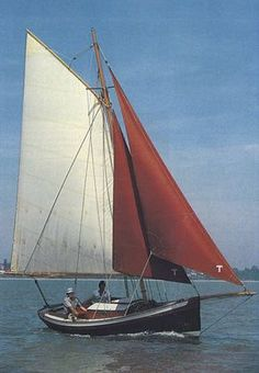 Photos of Maid of Endor Classic Sailing, Classic Yachts, Wooden Sailboat, Wooden Boats, Yacht Design, Boat Design, Make A Boat, Diy Boat, Small Yachts