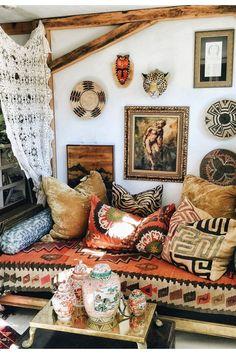 """Derivado da expressão """"Bohemian Chic"""", Boho chic refere-se ao estilo boêmio e contemporâneo. A decoração é inspirada no estilo cigano e na moda hippie dos anos 70."""