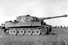 Panzerkampfwagen VI Tiger (8,8 cm L/56) Ausf. E (Sd.Kfz. 181) Nr. 334 | Flickr - Photo Sharing!