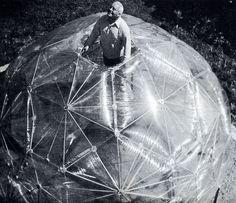 Robert W. Marks. The Dymaxion World of Buckminster Fuller (New York: Reinhold, 1960).