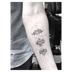 """""""Mi piace"""": 19.8 mila, commenti: 339 - Doctor Woo (@_dr_woo_) su Instagram: """"Da Vinci esque vertebrae on my Chiro @drerikanderson """""""