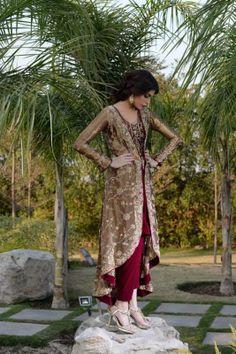 Pakistani dress Pakistani Formal Dresses, Indian Dresses, Suit Fashion, Fashion Dresses, Kurti Patterns, Designer Party Wear Dresses, Pakistani Designers, Indian Designer Wear, Simple Dresses