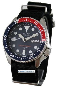 Montre Seiko Diver automatique, calibre 7S26, modèle de plongée, bracelet militaire Nato et lunette pepsi.