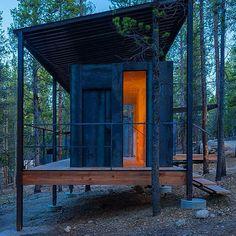 Univ of Colorado Outward Bound cabins 13 « Inhabitat – Green Design, Innovation, Architecture, Green Building Cabin Design, Roof Design, Architecture Student, Residential Architecture, University Of Colorado Denver, Ideas De Cabina, Steel Cladding, Prefab Cabins, Tiny Cabins