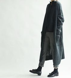 37 Ideas For Fashion Casual Korean Minimal Chic Look Fashion, Korean Fashion, Winter Fashion, Fashion Design, Fashion Black, Trendy Fashion, Minimalist Outfit, Minimalist Fashion, Mode Outfits