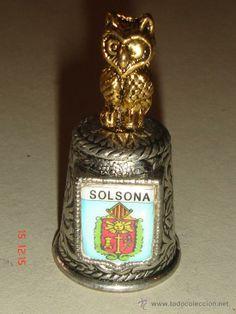 Dedal metal con buho encima. SOLSONA. . Serie CIUDADES 3.20 e #dedales #dedalescoleccion