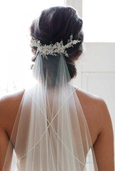 wedding hairstyles with vail MARION delicate floral bridal comb ivory wedding headpiece Wedding Veils With Hair Down, Wedding Hair And Makeup, Bridal Hair Updo With Veil, Hair Wedding, Updo Veil, Wedding Viel, Short Wedding Veils, Vintage Wedding Veils, Bridal Hair Photos