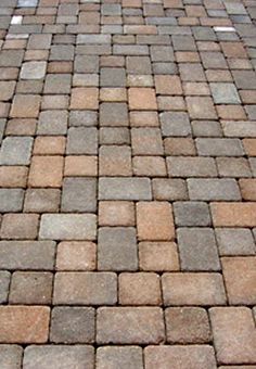 Paving Stones Are Versatile And Durable For Your Exteriors paving stones patio paver designs Paver Stone Patio, Stone Driveway, Paver Stones, Paver Walkway, Brick Pavers, Paver Sand, Paver Edging, Driveway Pavers, Stone Patios