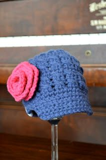 Knotty Knotty Crochet: Newborn Newsboy hat FREE PATTERN
