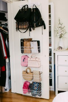 Closet Door Storage: Are You Utilizing This Area? - Storage and Organization Small Bedroom Organization, Wardrobe Organisation, Purse Organization, Handbag Storage, Tiny Bedroom Storage, Organized Bedroom, Storage For Purses, Organizing Small Bedrooms, Storage Beds