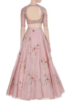 The latest Anushree Reddy 2018 Bridal Wear Collection has tons of pink shades, some ivory, greys and few traditional bridal lehengas. Lehnga Dress, Lehenga Gown, Party Wear Lehenga, Saree, Anarkali, Wedding Lehenga Designs, Designer Bridal Lehenga, Indian Wedding Outfits, Indian Outfits