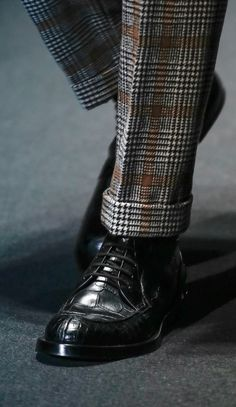 Gucci Fall 2013...shoes. But... The pantssss!!! http://@Pete Koomen Koomen v