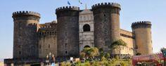 Il Maschio Angioino è uno storico castello medievale e rinascimentale, nonché uno dei principali simboli della città di #Napoli. #Naples