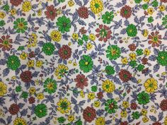 Adorable Vintage Floral Print Fabric  2 Yards by TheTinThimble