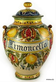 Artistica - Italian Ceramics, Deruta and Vietri Dinnerware.--ITALIA by Francesco -Welcome and enjoy- frbrun Tuscan Design, Tuscan Style, Italian Pottery, Tuscan Decorating, Italian Art, Hand Painted Ceramics, Ceramic Painting, Mellow Yellow, Ceramic Pottery