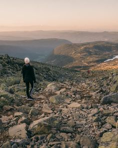 Guide to hiking Gaustatoppen in Telemark, Norway - How to see one-sixth of mainland Norway from Telemark's highest mountain + Best Tips & Routes to the Top. #mountain #norway #scandinavia Hiking Routes, Hiking Guide, Norway Travel Guide, Park Hotel, Best Hikes, Travel Guides, Mountain, Tips, Counseling