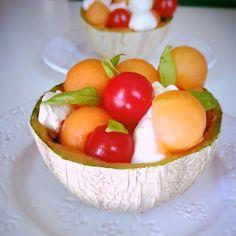 Salade de melon à la mandarine Serving Bowls, Veggies, Breakfast, Tableware, Kitchen, Food, Vegetarian Cooking, Healthy, Essen
